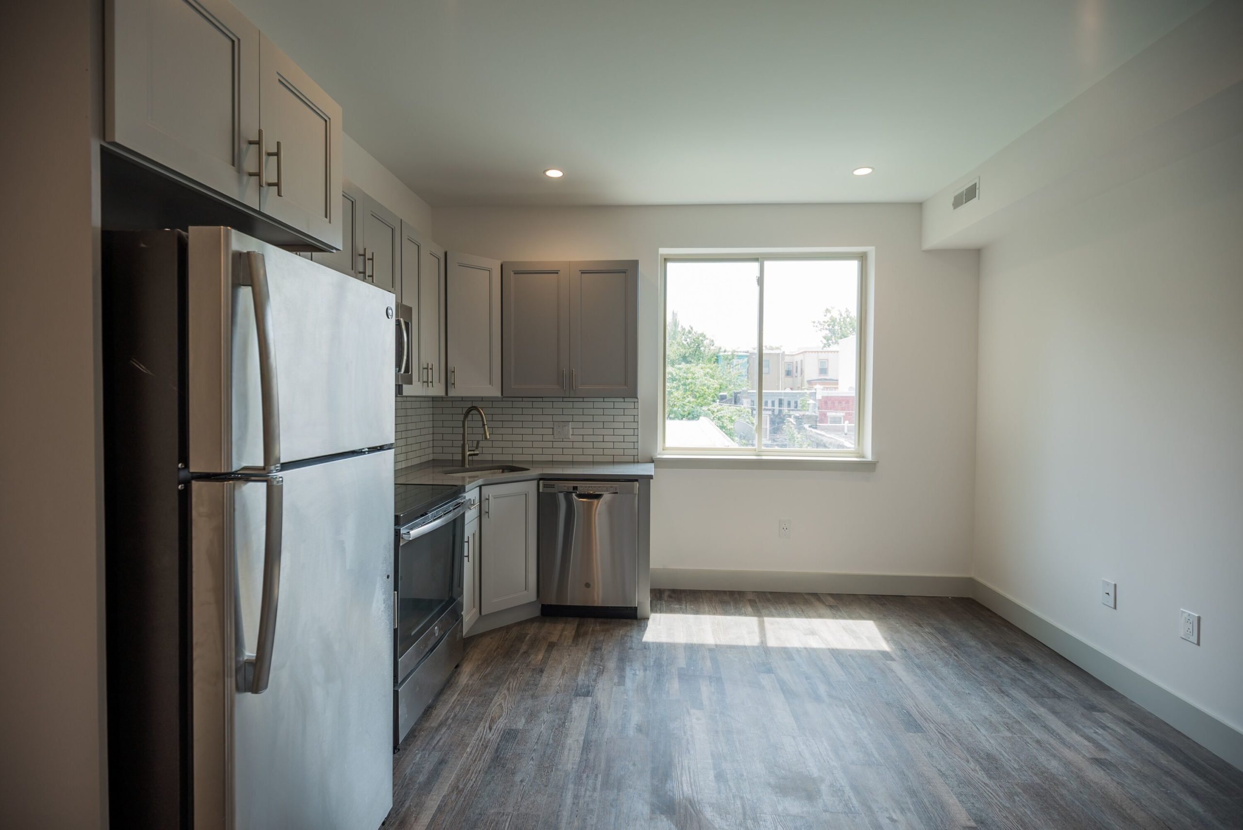 Bedroom With Ensuite Bathroom Male Student 3716 Haverford Avenue Apt 3r S Utilities Included Brandywine Apts